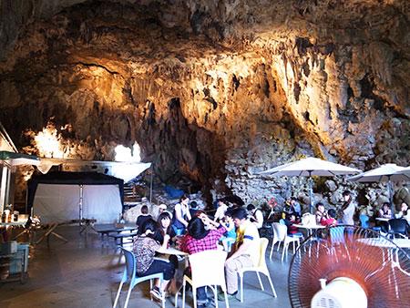 洞窟カフェ