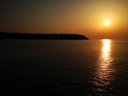 瀬底ビーチの夕日